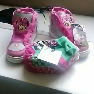 Other - Minnie mouse shoes & 5 pair minnie mouse socks